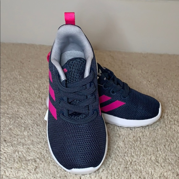 NEW Adidas Lite Racer CLN Sneaker Size 6 NWT